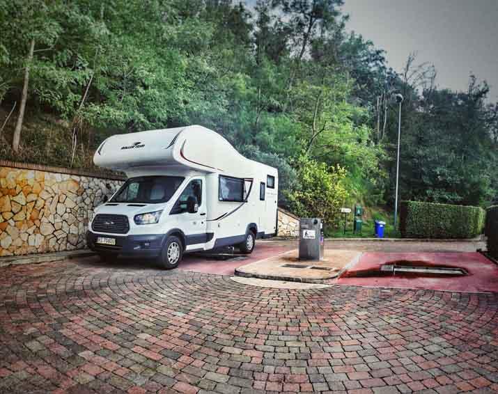 parkowanie kampera